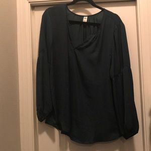 Silk emerald green blouse with flowy sleeves